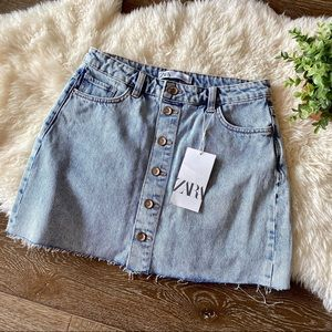 2/$30 Zara light wash button front jean mini skirt